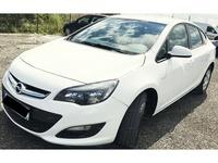 Opel Astra 1.6L 2015 Berlina Benzina